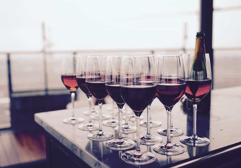 drinks, dining, restaurant